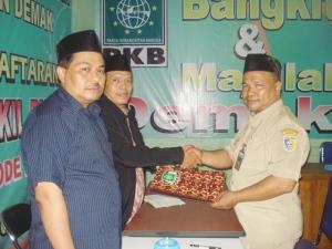 Mustain SAg - Kepala KUA Karangawen mendaftar di PKB Demak (senin, 13/12)